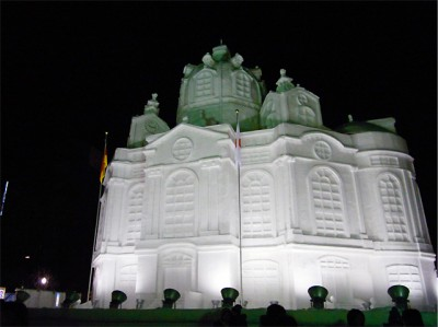 札幌雪まつりの大雪像 フラウエン教会