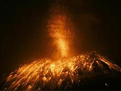 トゥングラワ火山の噴火