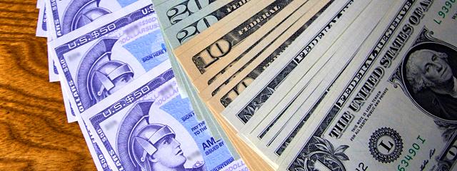 トラベラーズチェックとドル紙幣