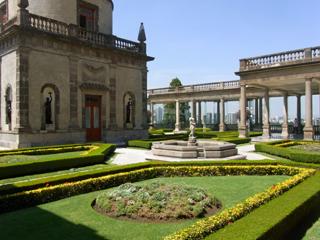 チャプルテペック城の2階の庭園