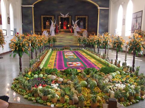 サン・フェリペ・デ・ヘスス教会内