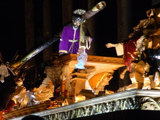 サン・バルトル教会のプロセシオン夜