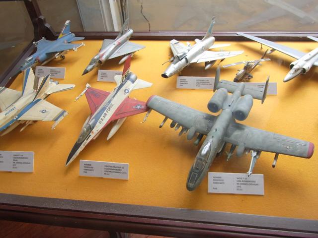 戦闘機の模型