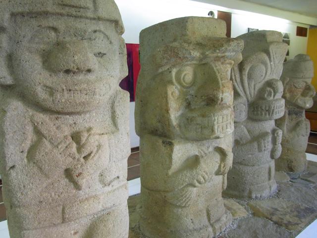 博物館にあった石像