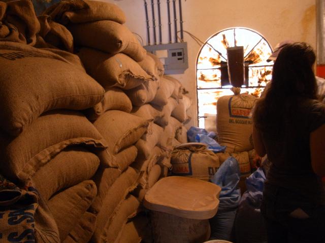 パナハッチェルにあるクロスロードカフェの焙煎室