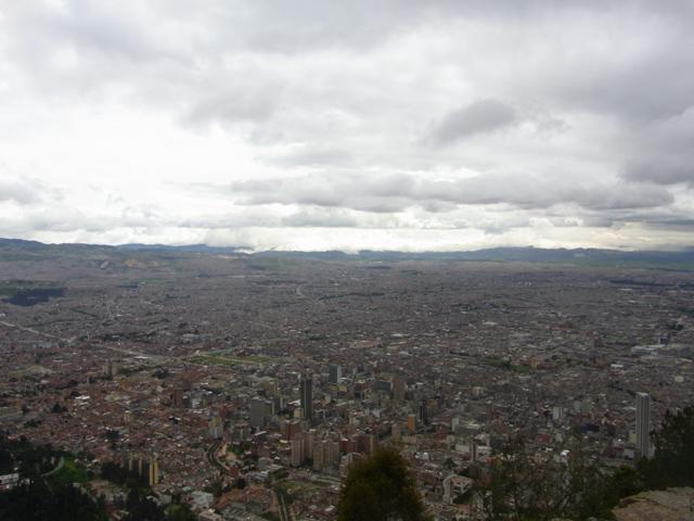 モンセラーテの丘からみたボゴタ市街