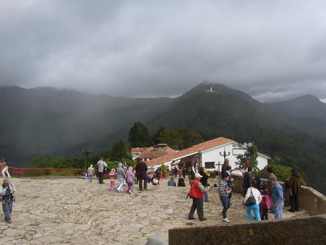 モンセラーテの丘の頂上