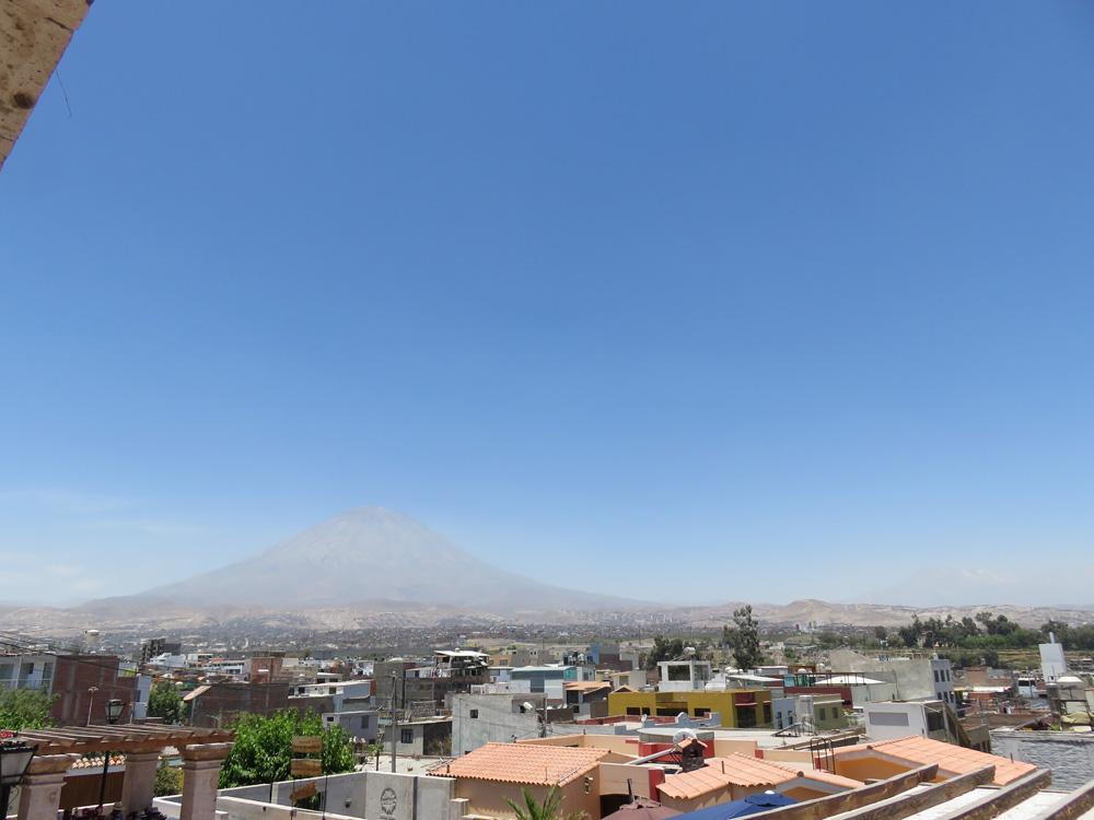 アレキパの郊外にあるミスティ火山
