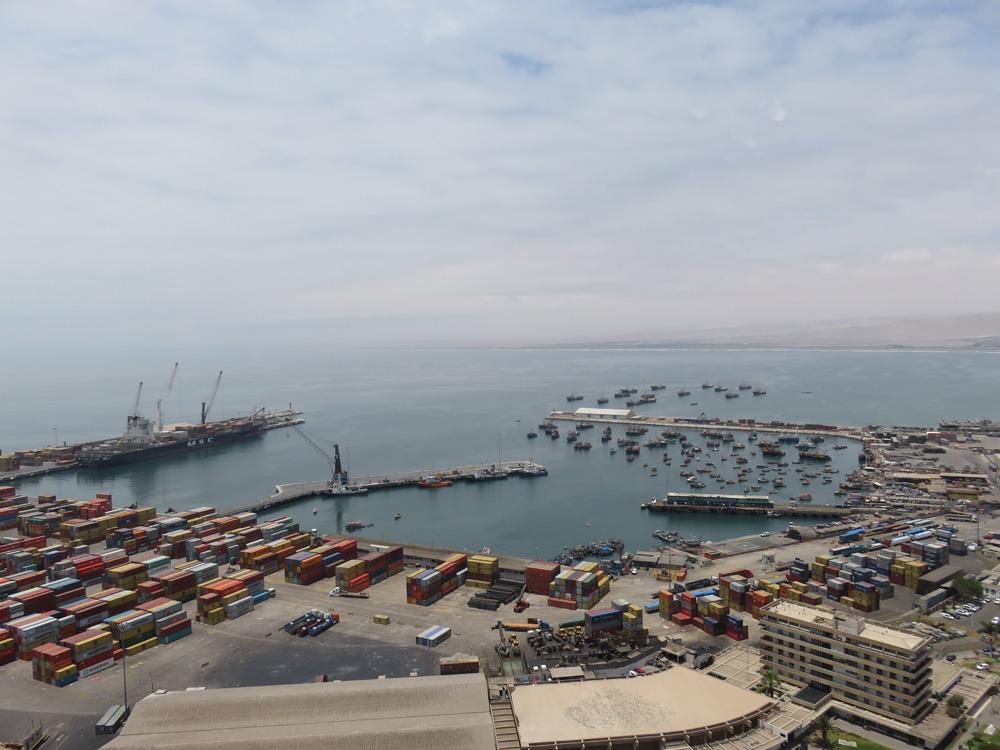アリカ要塞から見たアリカ港