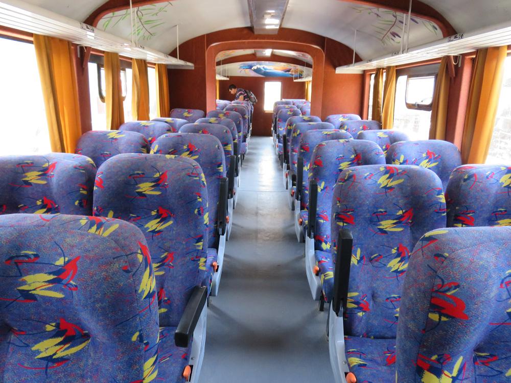 タクナーアリカ間の鉄道の車内