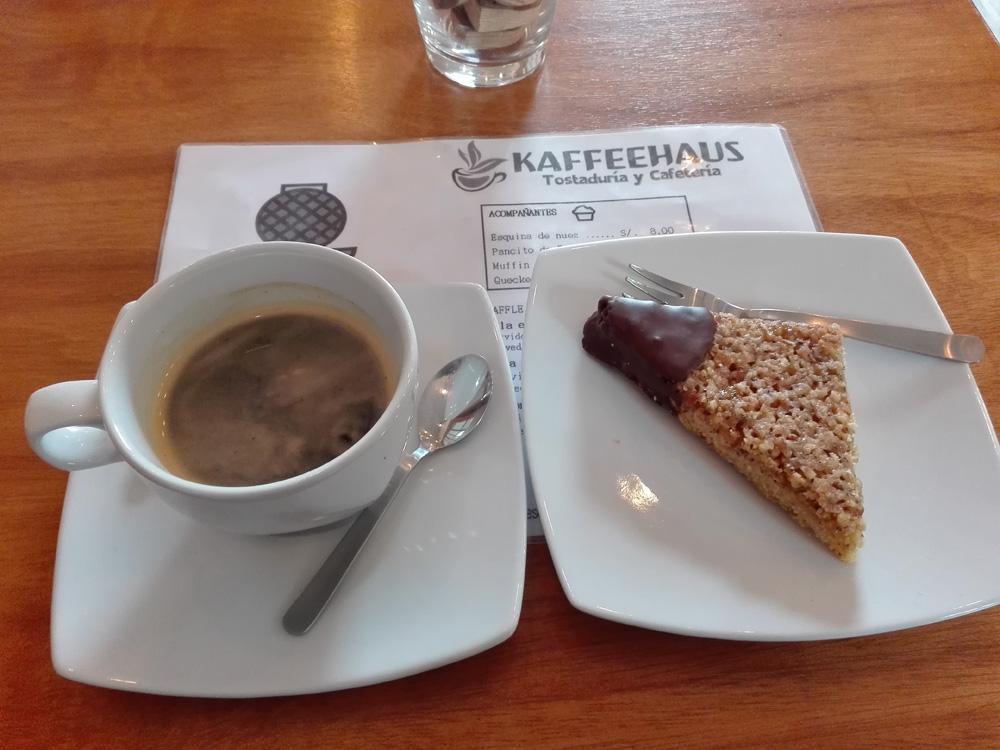 アレキパのカフェTostaduría Kaffeehausのコーヒー
